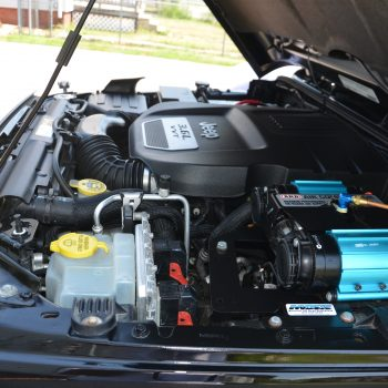 spotless engine compartment after mobiel detailing by Time Saving Auto Detail